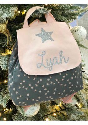 Sac à dos enfant et bébé gris étoiles roses personnalisé